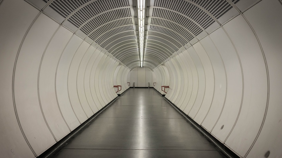 tunnel-400917_960_720